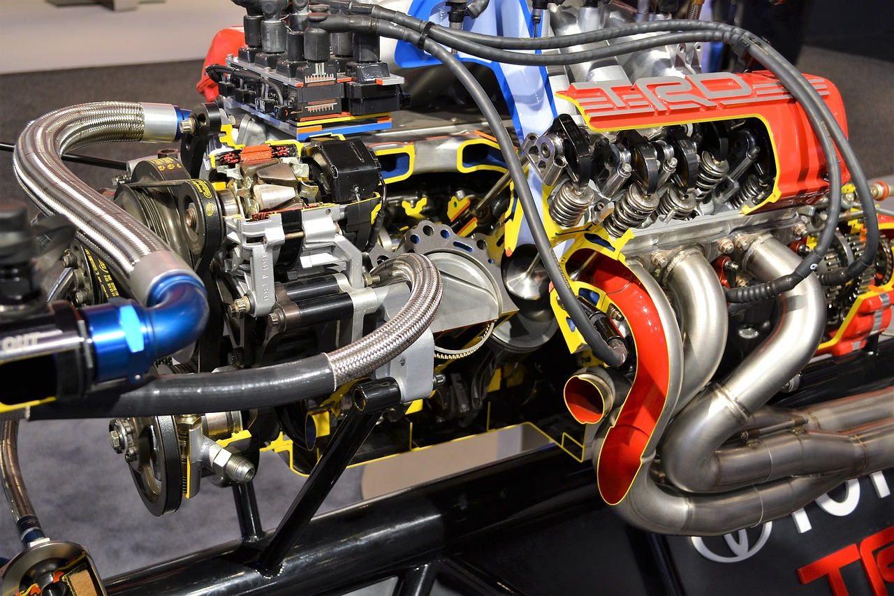 Real-time engine oil condition monitoring